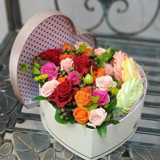 Коробка-сюрприз: букеты цветов на заказ Flowwow