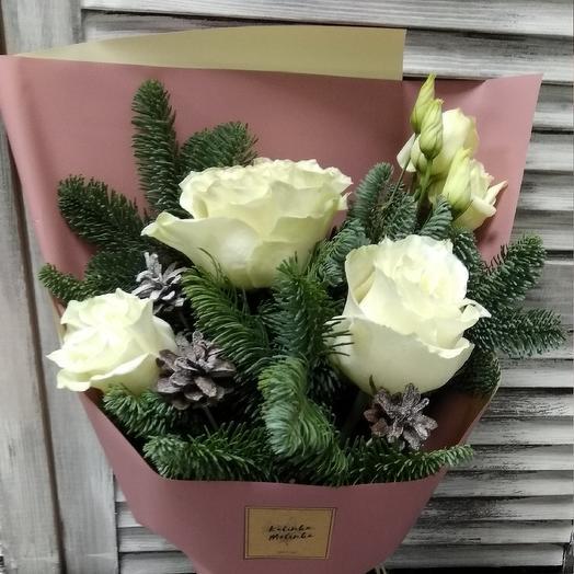 Букет из роз, нобилиса и шишек: букеты цветов на заказ Flowwow