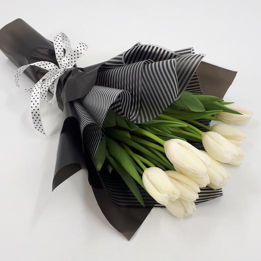 Черно-белое кино:9 тюльпанов