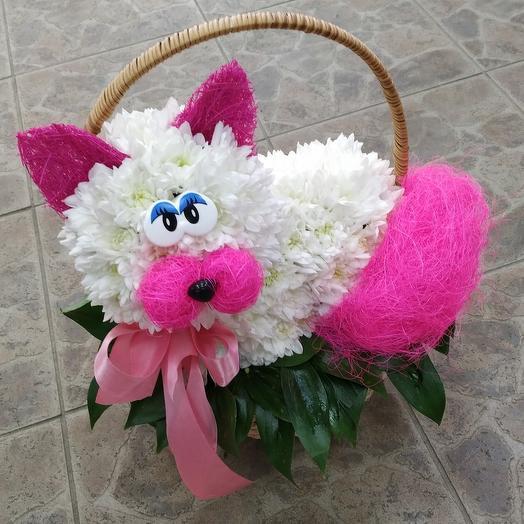 Милая кошечка 🐱 в корзинке: букеты цветов на заказ Flowwow