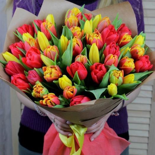 55 тюльпанов: букеты цветов на заказ Flowwow