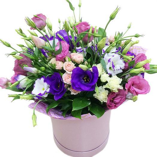 Эустома в коробке: букеты цветов на заказ Flowwow