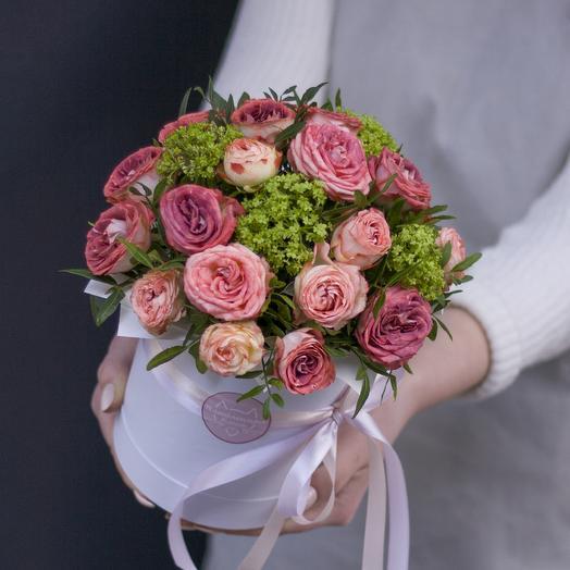 Комплимент в коробке: шоколадный: букеты цветов на заказ Flowwow