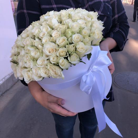 101 белая роза в шляпной коробке: букеты цветов на заказ Flowwow