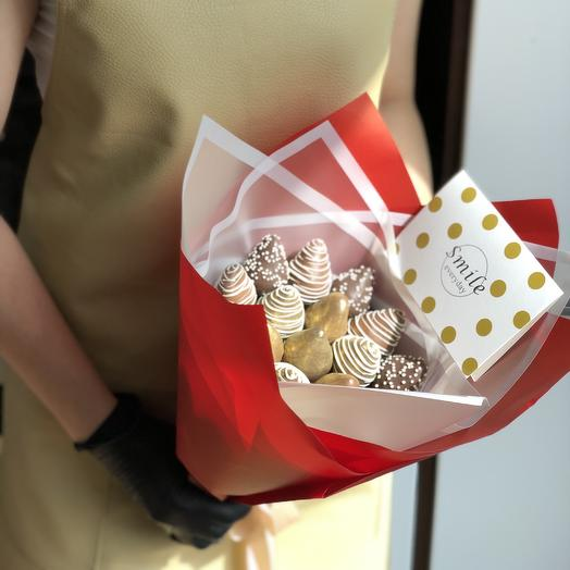 Клубничный букет GOLD BERRY: букеты цветов на заказ Flowwow