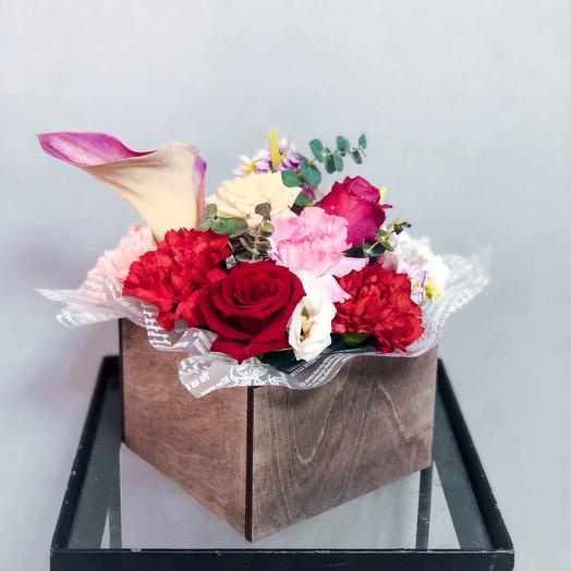 Комплимент в Ящичке: букеты цветов на заказ Flowwow
