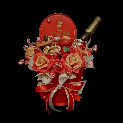 Коробка Москва: букеты цветов на заказ Flowwow
