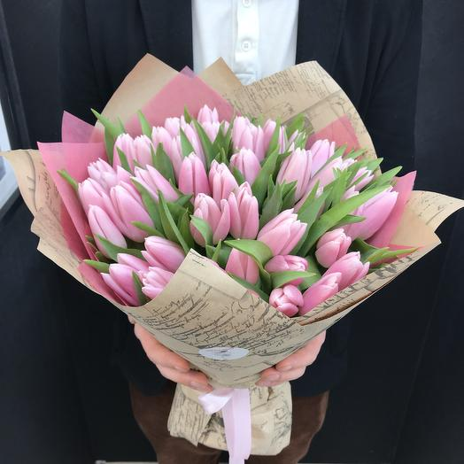 Букет из 49 розовых тюльпанов: букеты цветов на заказ Flowwow