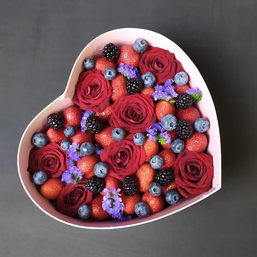 Ягодный Вальс: букеты цветов на заказ Flowwow