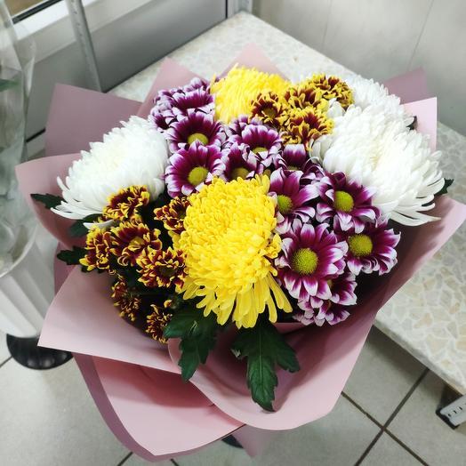 Букет сборный из хризантем