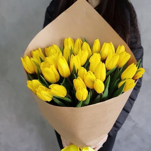 Букет из 31 тюльпана: букеты цветов на заказ Flowwow