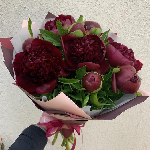 9 красных пионов: букеты цветов на заказ Flowwow