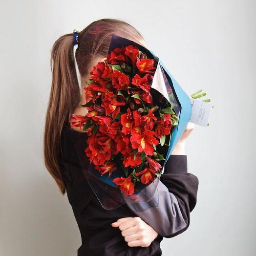 Альстромериями: букеты цветов на заказ Flowwow