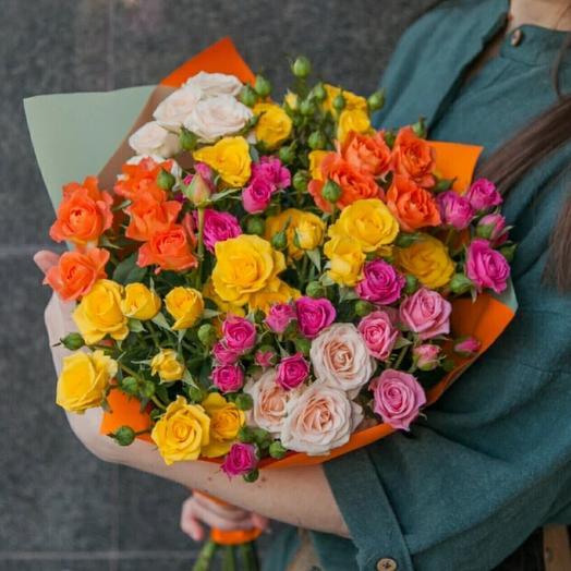 Сочный микс из кустовых роз