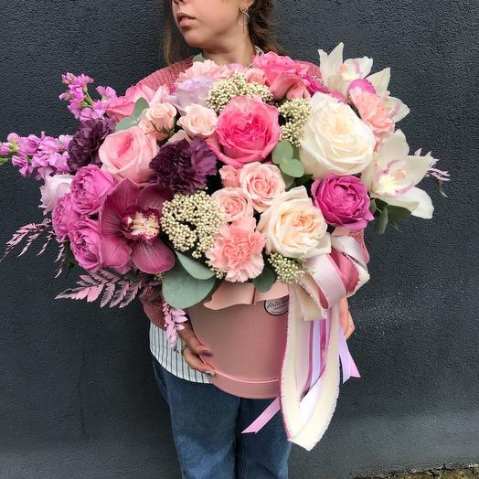 Огромная коробка цветов