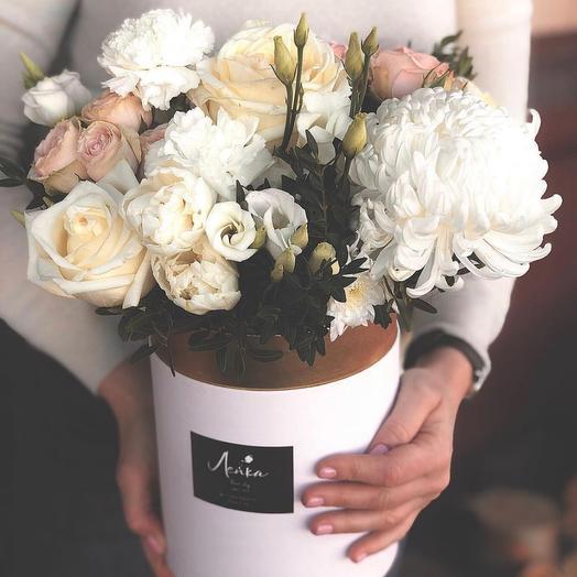 Цветы в коробке в лимонном цвете . Порадуйте солнышком своих дорогих и любимых