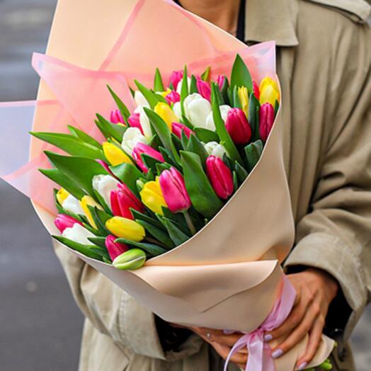 Микс из 51 тюльпана