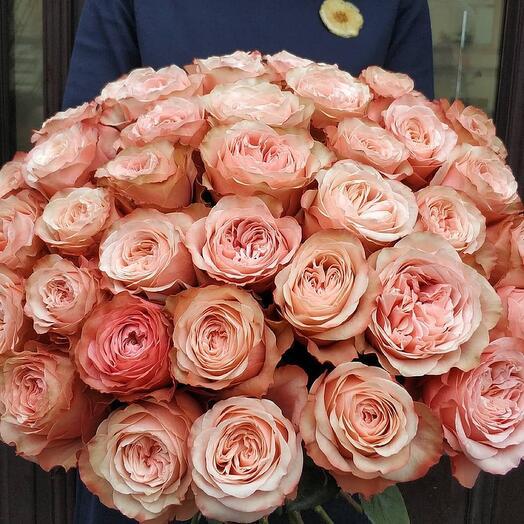 Букет из 49 пионовидной розы