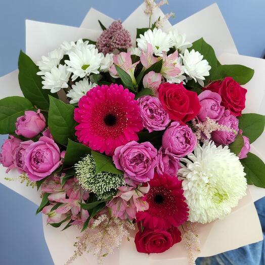 Букет из роз, гербер, хризантемы и альстромерий