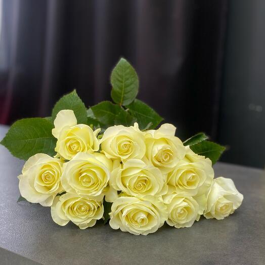 Букет из 11 длинных роз
