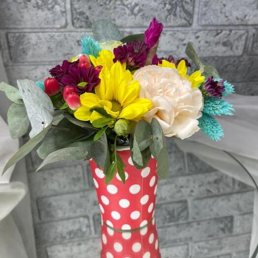 Цветы в в стаканчике