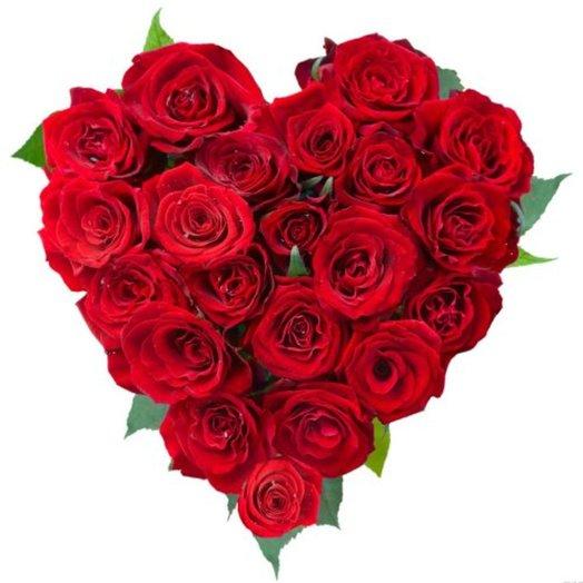 Сердце из 21 красной розы: букеты цветов на заказ Flowwow