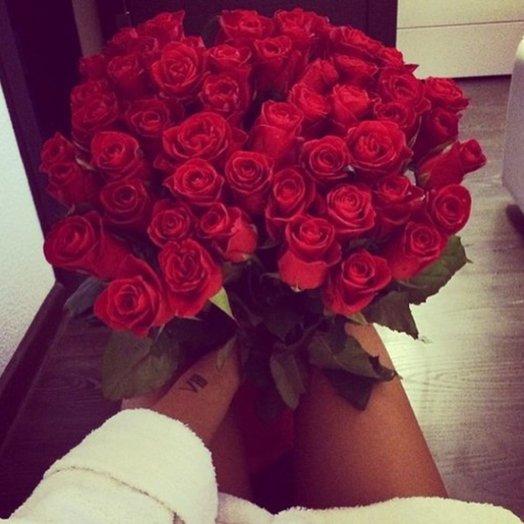 Букет из 51 розы 60см: букеты цветов на заказ Flowwow