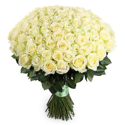 101 роза Белая 70см: букеты цветов на заказ Flowwow