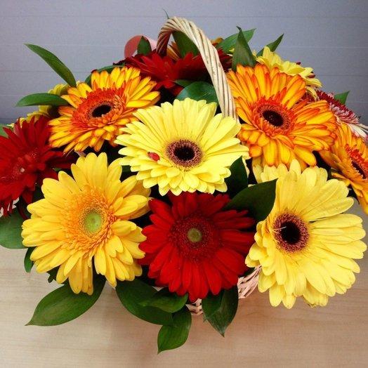 Корзинка из 11 гербер: букеты цветов на заказ Flowwow