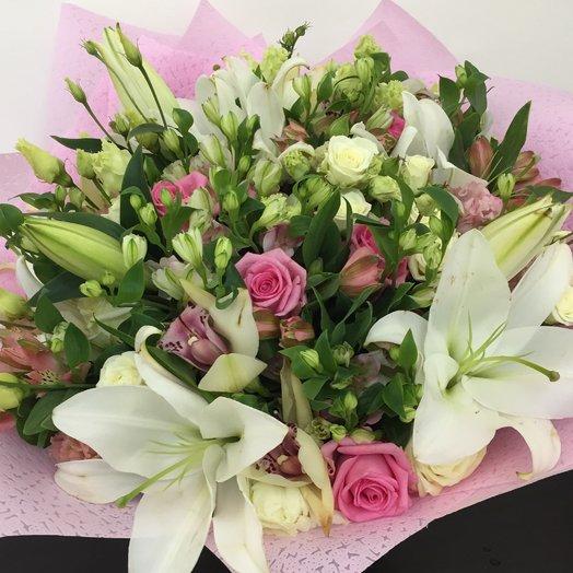 Букет с лилиями : букеты цветов на заказ Flowwow
