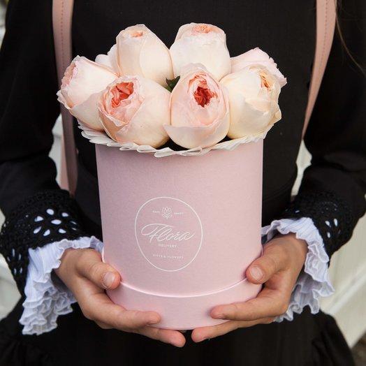 Персиковые розы Juliet в шляпной коробке Demi PINK: букеты цветов на заказ Flowwow