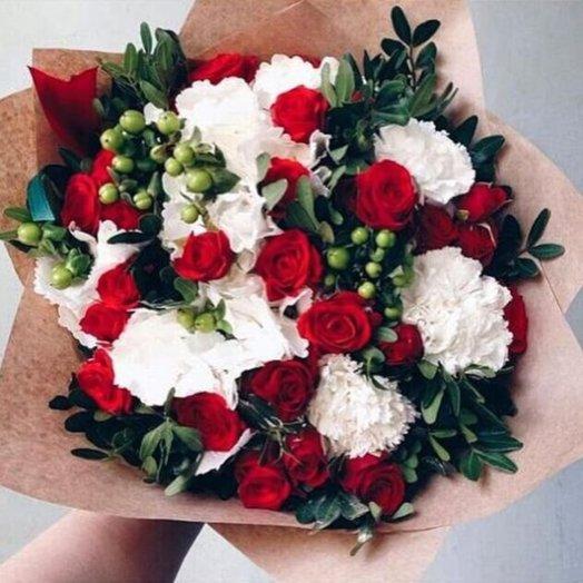 Страсть и нежность: букеты цветов на заказ Flowwow