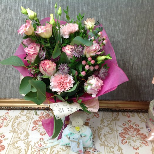 Розовый фламинго: букеты цветов на заказ Flowwow