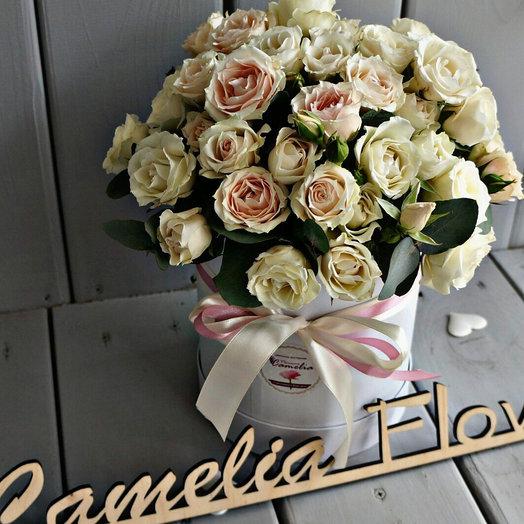 Кустовые розы в коробке : букеты цветов на заказ Flowwow