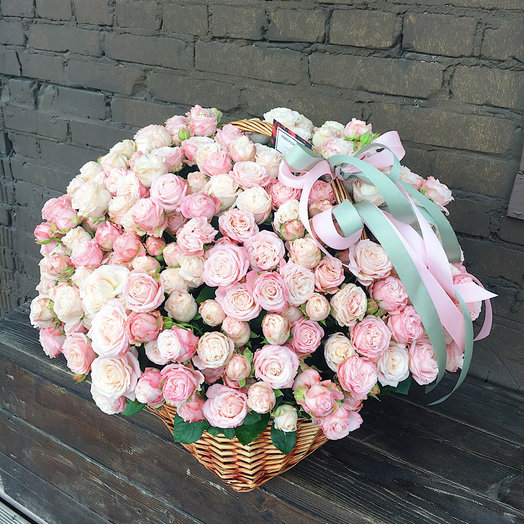 101 пионовидная роза Бомбастик: букеты цветов на заказ Flowwow