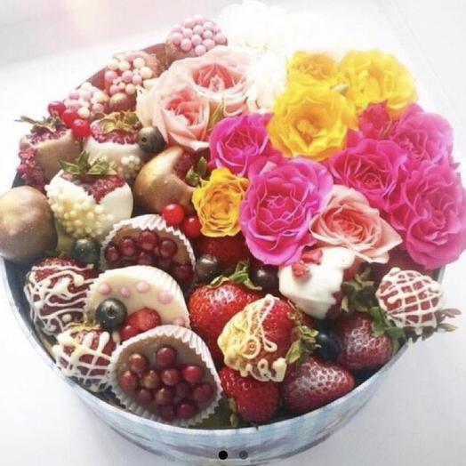 Клубничный букет «май»: букеты цветов на заказ Flowwow