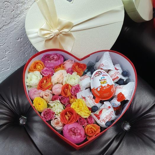Коробочка к 14 февраля: букеты цветов на заказ Flowwow