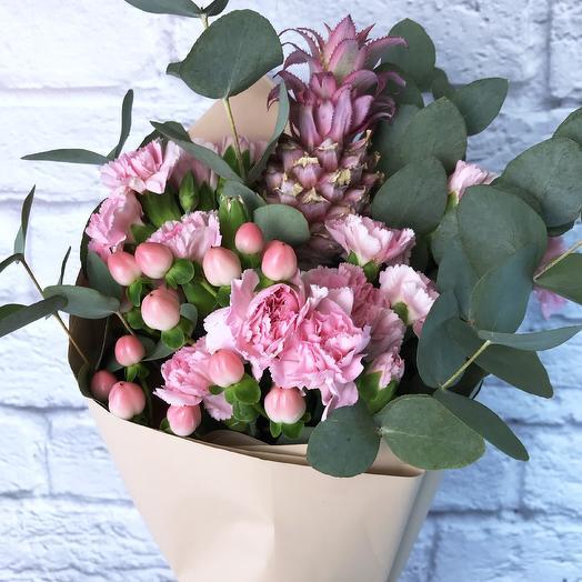 Букет «Розовый ананас»: букеты цветов на заказ Flowwow