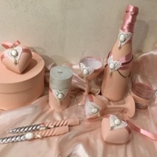 Розовый декор на свадьбу: букеты цветов на заказ Flowwow