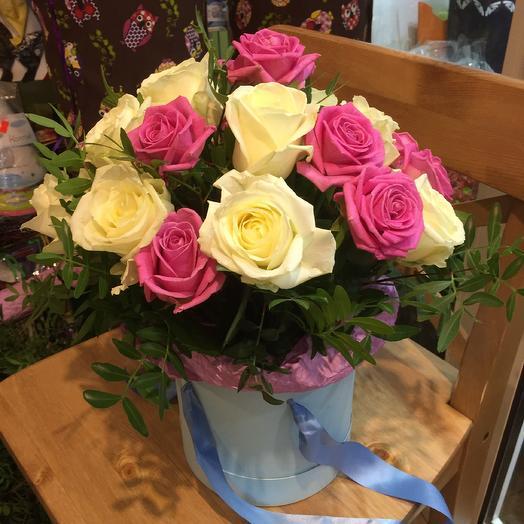 Коробка из 19 роз