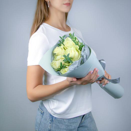 5 белых роз премиум класса