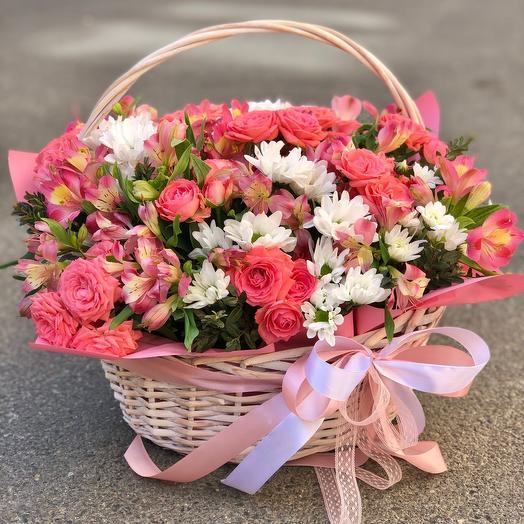 Корзина с цветами «Праздничная»
