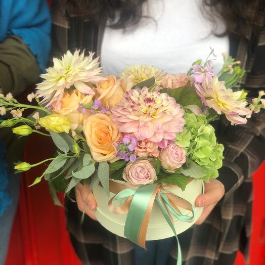 Коробка с цветами настроение
