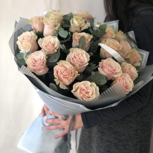 21 Роза с эвкалиптом
