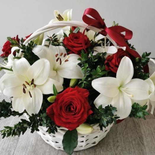 Корзина с цветами «Любовь навсегда»