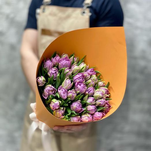 Букет из 35 сиреневых тюльпанов