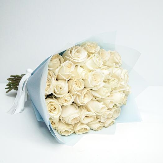 Букет 35 роз белых (40см)