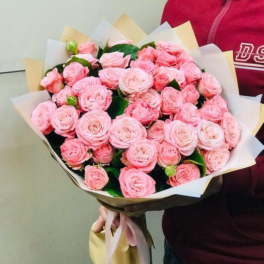 Букет пионовидных роз