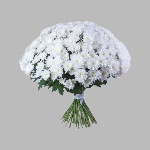 Букет из белой кустовой хризантемы