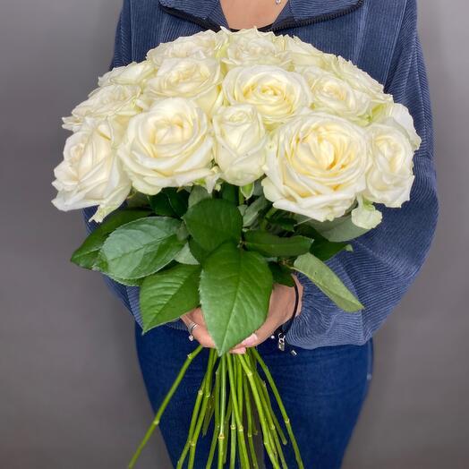 Букет из 21 белой розы 60 см